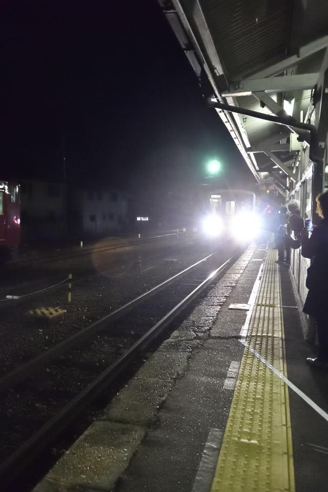 【05:31】列車の入線