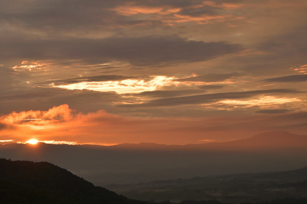 【04:17】太陽が覗く