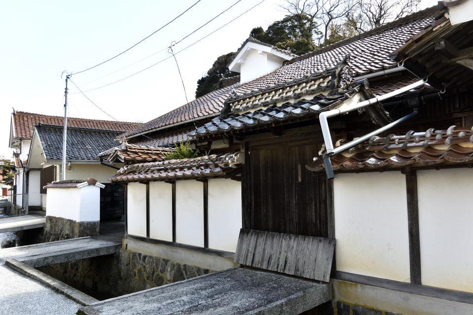 甍街道・横田家